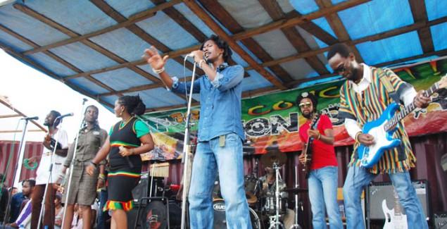 Lion story en concert au lycée SOS ©Iwacu