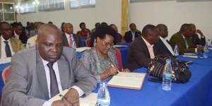 Les politiciens, lors du 1er atelier d'évaluation de l'enrôlement des électeurs ©Iwacu