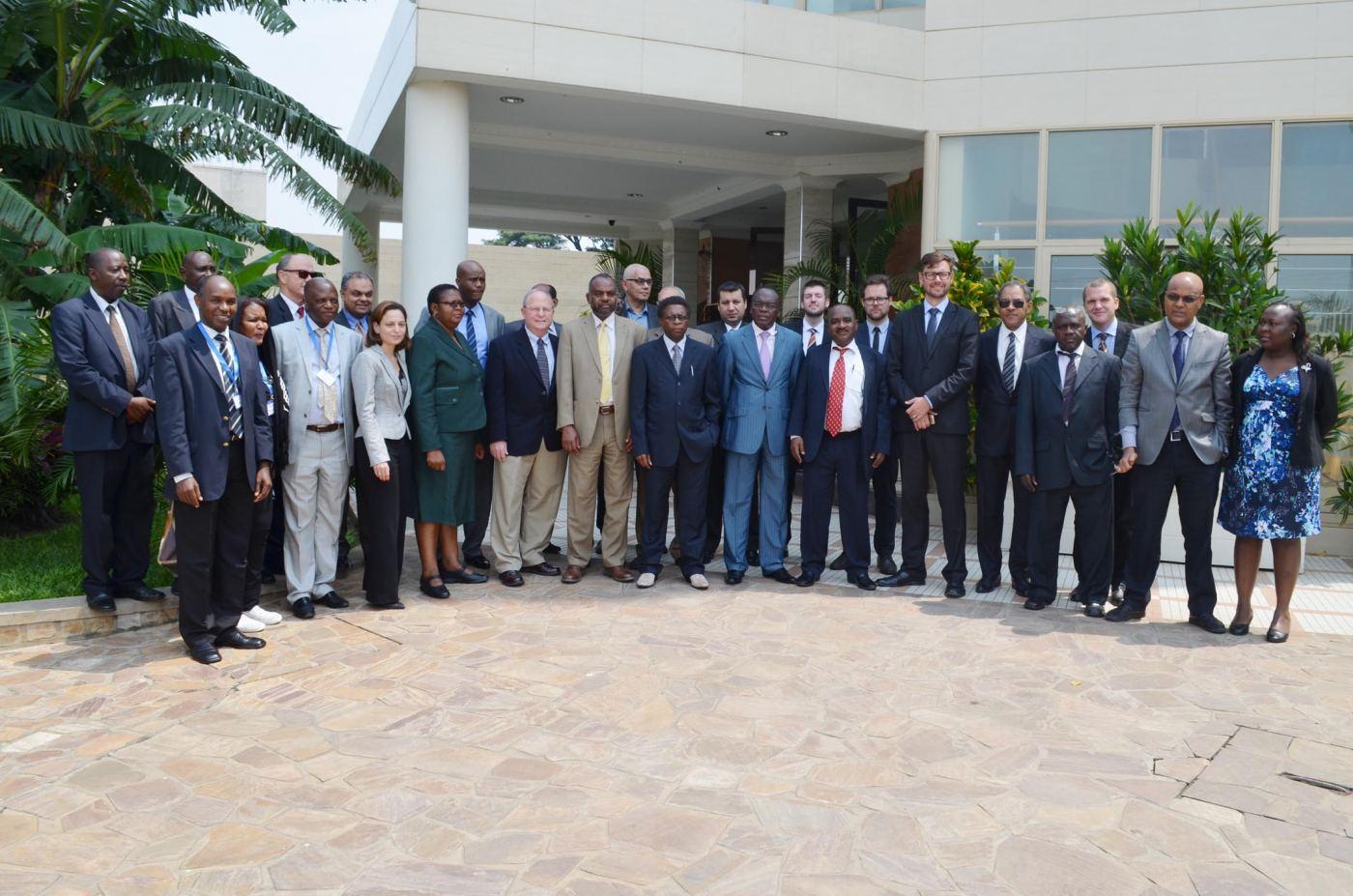 Les représentants des 10 pays cités et les partenaires du projet EAPP ©Iwacu