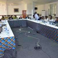 Les participants, lors l'atelier, en train de discuter sur l'harmonisation de la régulation des médicaments dans l'EAC ©Iwacu