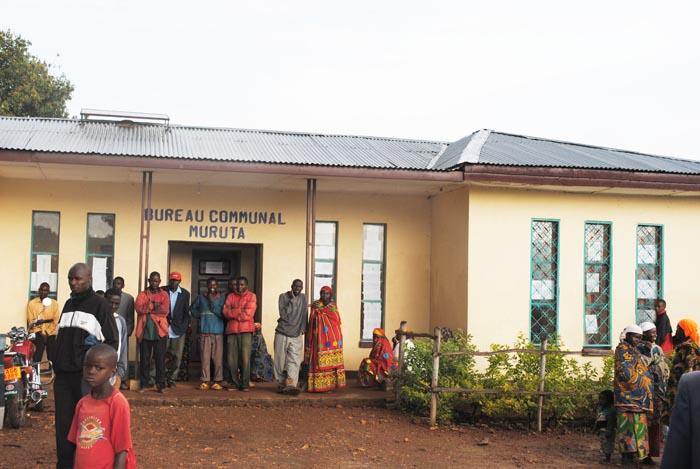 Des habitants de la commune Muruta, province Kayanza, affirment  que la CVR et les élections ne peuvent pas aller de pair ©Iwacu
