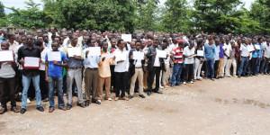 Les étudiants de l'UB en sit-in devant le rectorat du campus Mutanga ©Iwacu