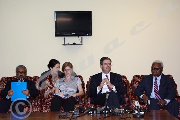 Avant son départ, cette délégation a organisé une conférence de presse dans les enceintes de l'aéroport international de Bujumbura ©Iwacu
