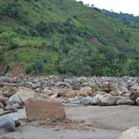 La rivière Nyaruhongoka a débordée de son lit emportant tout sur son passage ©Iwacu