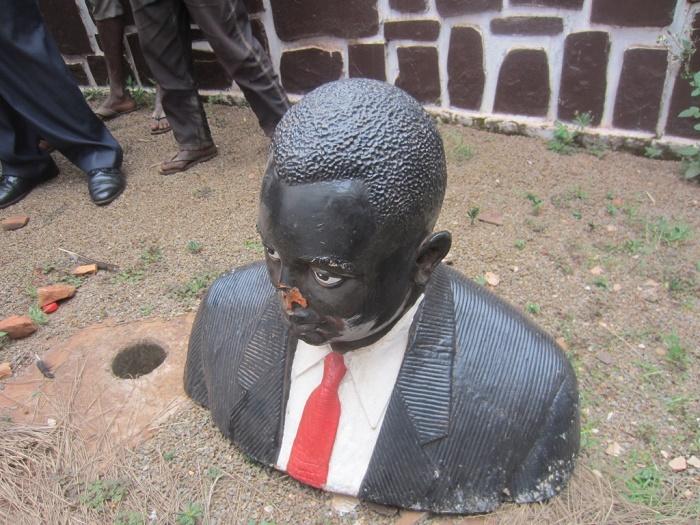Le buste de Rwagasore encore une fois détruit ©Iwacu