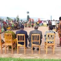 A Gishubi, en présence de trois commissaires de la CVR, la population affirme que la réconciliation arrive à une étape satisfaisante ©Iwacu