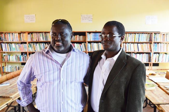 Les deux initiateurs du projet, heureux après l'inauguration ©Iwacu