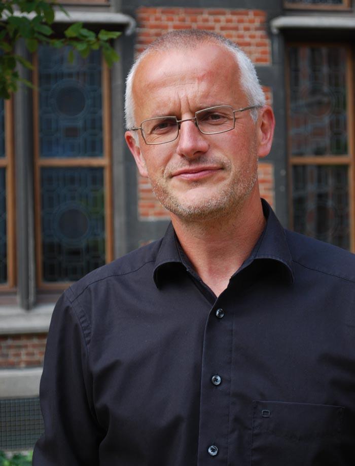 Le docteur en droit Stef Vandeginste de l'Université d'Anvers  maîtrise bien les arcanes des textes fondamentaux du Burundi