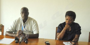 Le président de l'Abr (à gauche) lors de sa conférence de presse