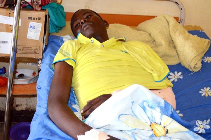 Emmanuel Nkurunziza, atteint d'une balle perdue au bras gauche