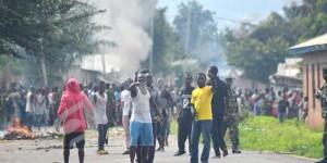 Les manifestants aux prises avec les policiers à Buterere ©Iwacu