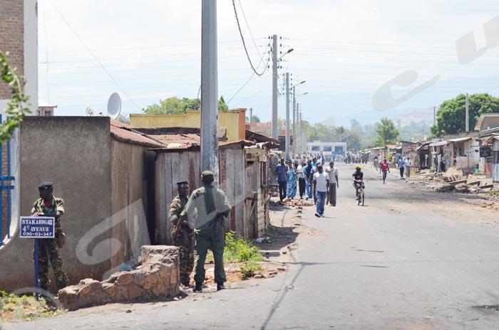 Militaires postés à chaque coin de rue à Nyakabiga