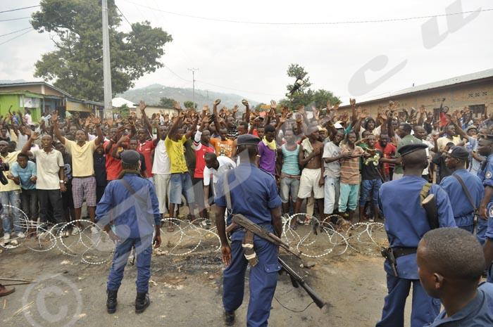 Musaga : face à face entre manifestants et la police lors d'une manifestation