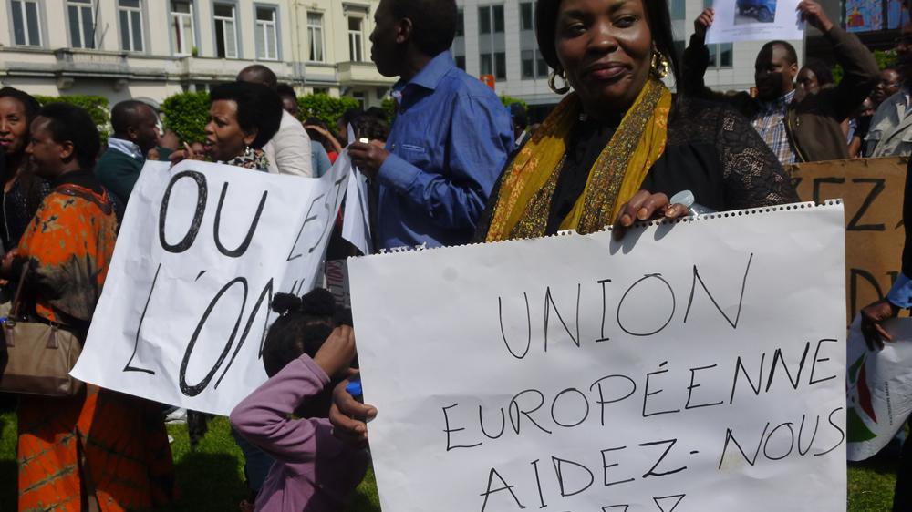 Les manifestants interpellent aussi l'Europe.