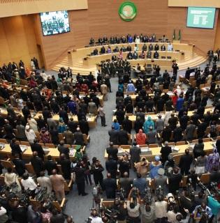 Le Conseil de Paix et de Sécurité de l'Union Africaine a notamment demandé la convocation rapide d'un dialogue, à Kampala ou à Addis-Abeba, impliquant tous les acteurs burundais, y compris ceux qui se trouvent à l'extérieur du pays.