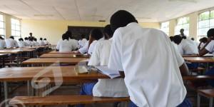 Ce mercredi, le test national de 10ème année a eu lieu dans tout le pays. On accuse beaucoup d'absences