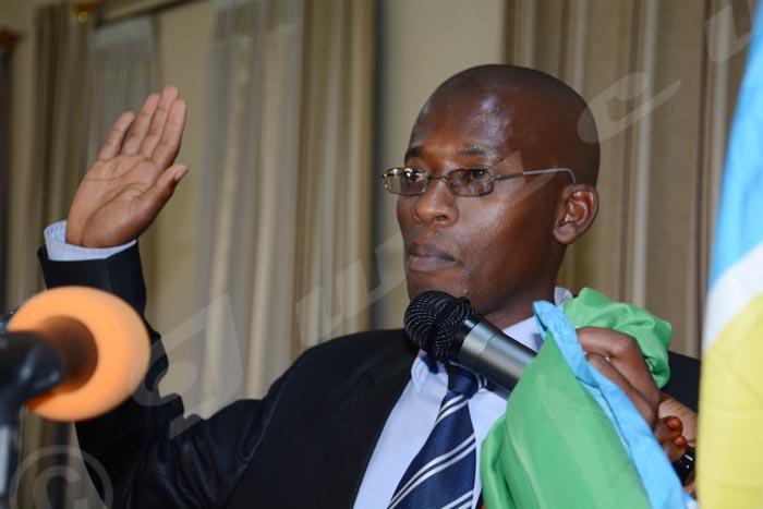 Lundi, 22 juin 2015 - Les nouveaux membres des commissions provinciales électorales indépendantes prêtent serment ©Iwacu