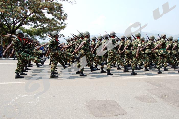 Défilé de l'armée lors de la fête du 1er juillet