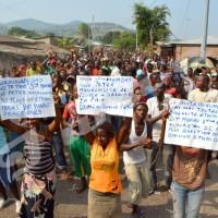 Musaga : les manifestants scandant les slogans anti troisième mandat de Nkurunziza