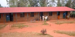 Sur les bureaux de vote à Bwoga à 14h 38min