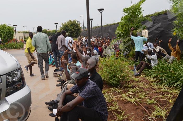 Les étudiants sont, d'ores et déjà, a l'intérieur de l'ambassade des États-Unis au Burundi