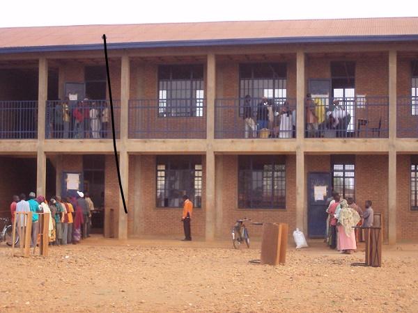 A 8 heures, sur les 3.119 électeurs attendus aux bureaux de vote du chef-lieu de la province Cibitoke, 443 avaient déjà voté