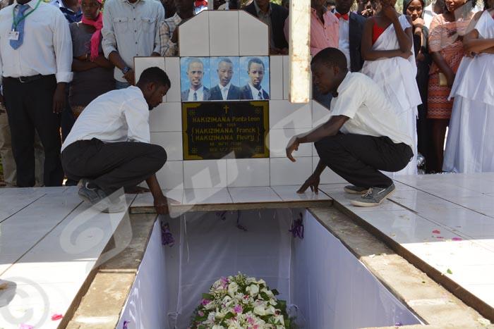 Mardi, 7 juillet 2015 - Enterrement de Panta Léon Hakizimana de Mutakura assassiné avec ses deux fils jumeaux ©O.N/Iwacu