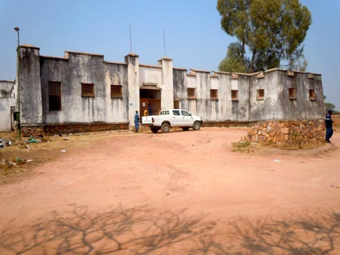 Le Boma  (bureau du résident) abritant aujourd'hui les cachots de la police judicaire