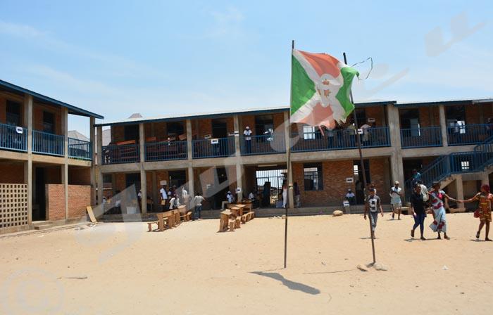 Au Lycée communal Gihosha, les électeurs s'inquiètent : certains n'ont pas voté pour leurs chefs de quartiers
