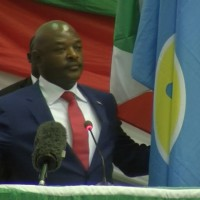 Prestation surprise de serment par Pierre Nkurunziza