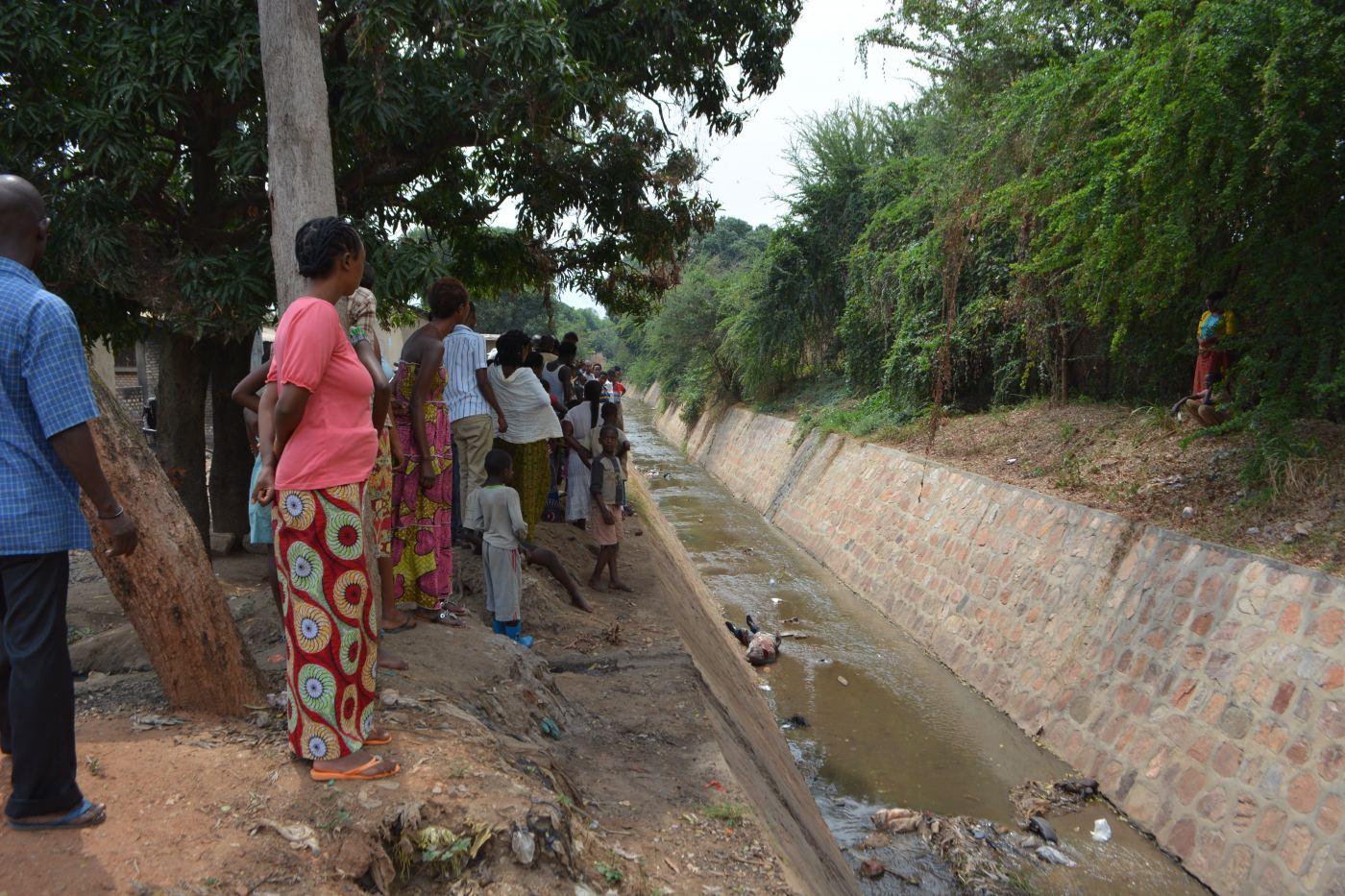 Le cadavre découvert ce 20 septembre dans la rivière Nyabagere, 16ème avenue.