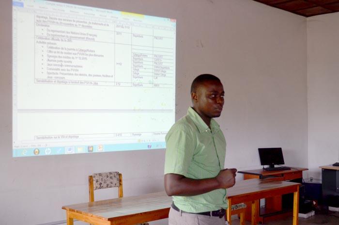 Raphaël  Nshimirimana, chargé du service de prévention au PNLS