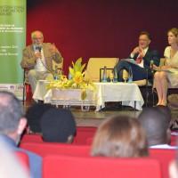 Pour M. Alain Cazenave-Pierrot, l'homme est la cause directe des changements climatiques