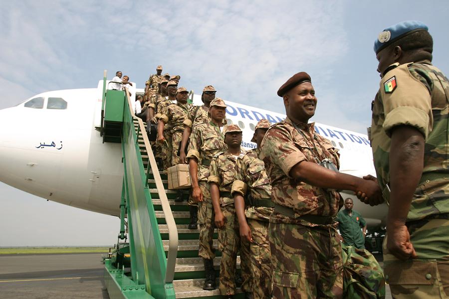 Arrivée du contingent Mozambicain en octobre 2003