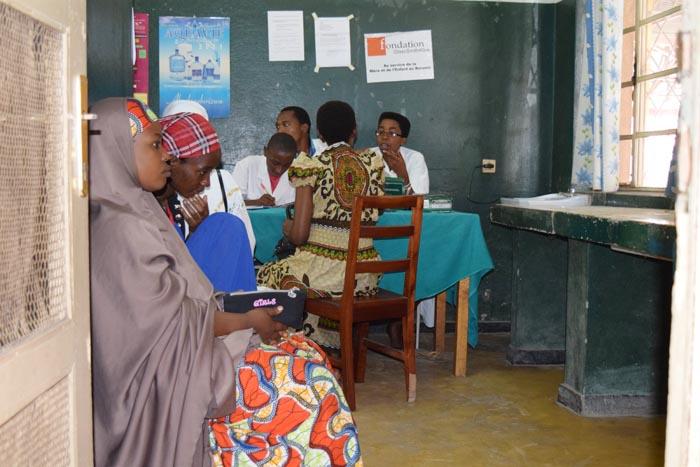 Des femmes qui attendent de faire une CPN au CMC de Buyenzi.