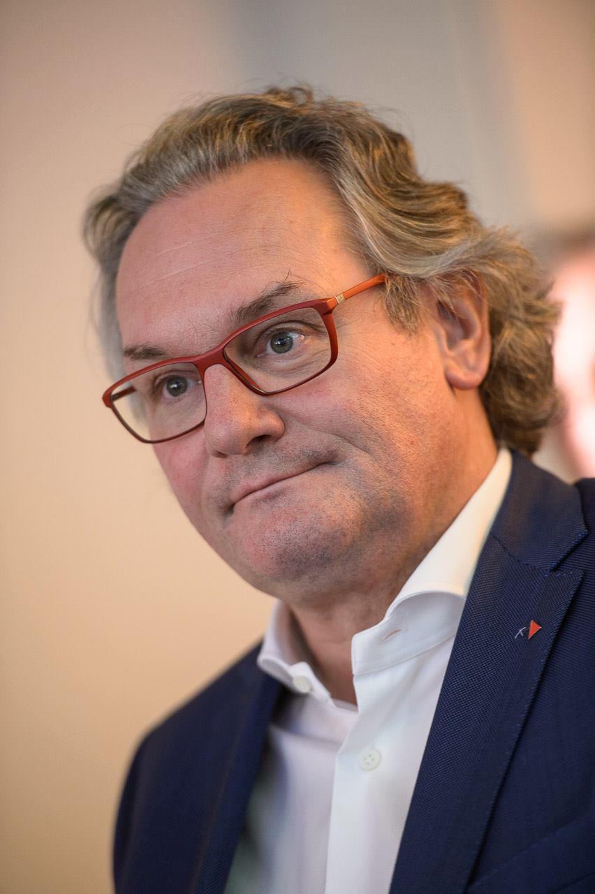 Mr. Jean-Pascal Labille Secrétaire général de Solidaris Ancien Ministre de la Coopération au développement