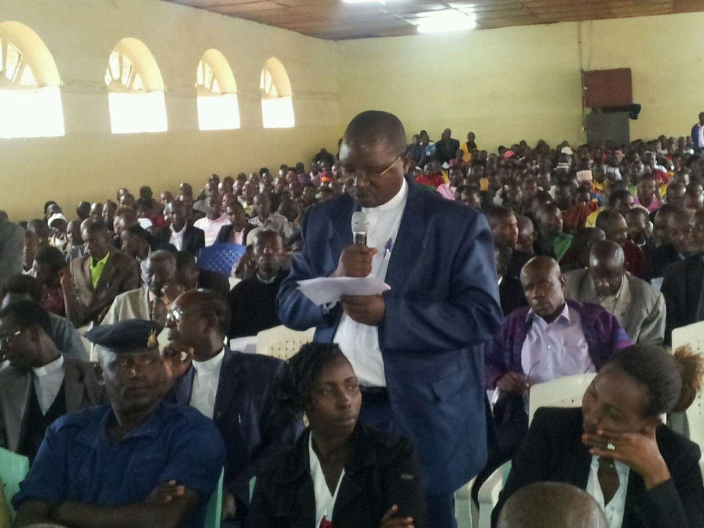 un homme d'Eglise demandera que les mandats soient scrupuleusement respectés,«quelle que soit la popularité du dirigeant».