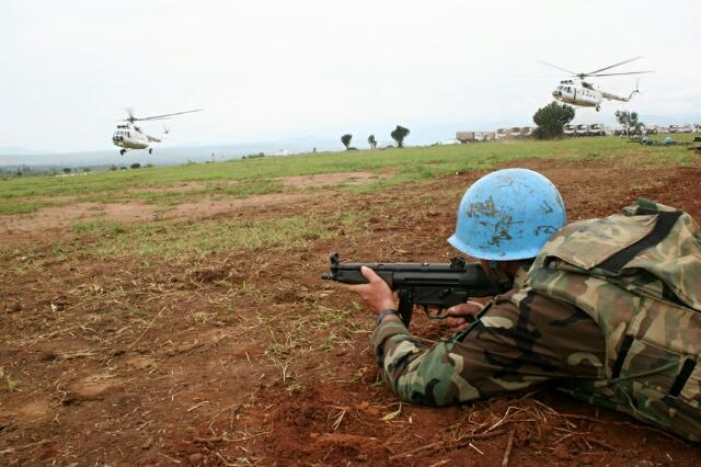 Des militaires de l'ONUB lors d'un exercice à Cibitoke © Martine Perret ONUB