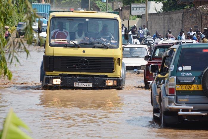 En cas de pluie, le Boulevard du 1er Novembre devient quasi impraticable au niveau de la Brarudi.