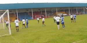 football Féminin, l'ETG  Nyakabiga croise le fer avec le lycée Christ roi de GItega en final