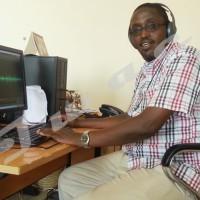 Christophe Nkurunziza dans le bureau de la BBC à Bujumbura.