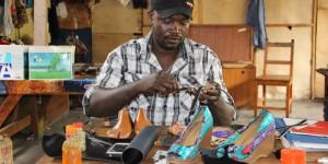 Osez entreprendre / Des chaussures « made in Burundi »
