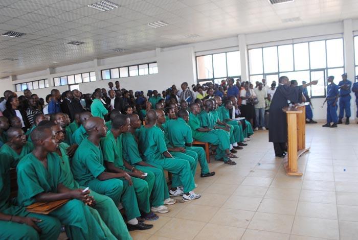 Les jeunes du MSD lors de la comparution devant le Tribunal de Grande Instance de Bujumbura en mars 2014.