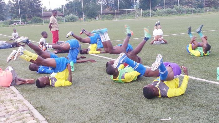 Les joueurs de Vital'O FC aux entraînements