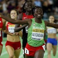 Francine Niyonsaba décroche l'or à Portland au championnat du monde en salle du 800m