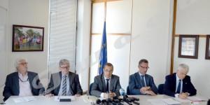 L'UE accentue la pression, Bujumbura minimise