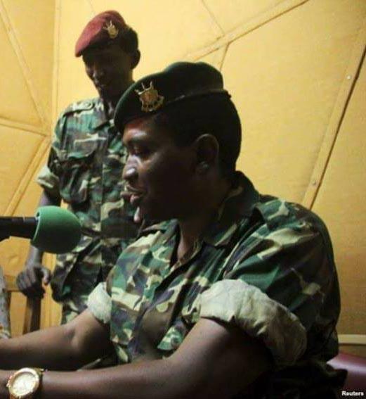 Le Général-Major Godefroid Niyombare annonçant la destitution du Président Nkurunziza à la RPA