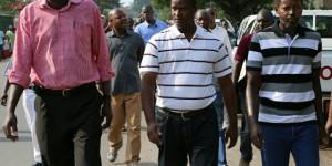 Alexandre Niyungeko (au milieu) lors d'une marche manifestation des journalistes