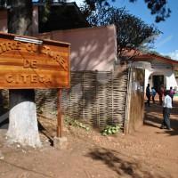 En plus de donner l'opportunité aux jeunes de la ville de Gitega, le centre a créé plusieurs micro bibliothèques dans les écoles secondaires