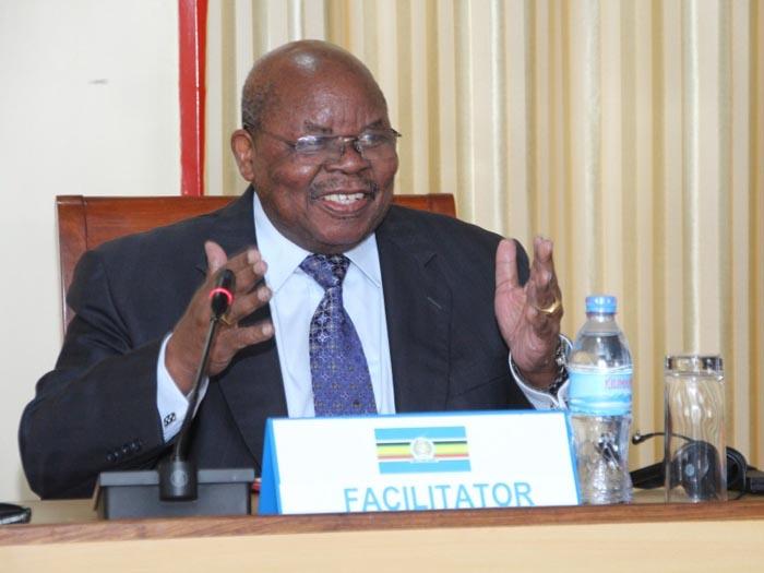 Benjamin Mkapa : «Dans les deux prochaines semaines, je vais poursuivre et achever les consultations avec ceux qui ne sont pas venus participer à cette session»